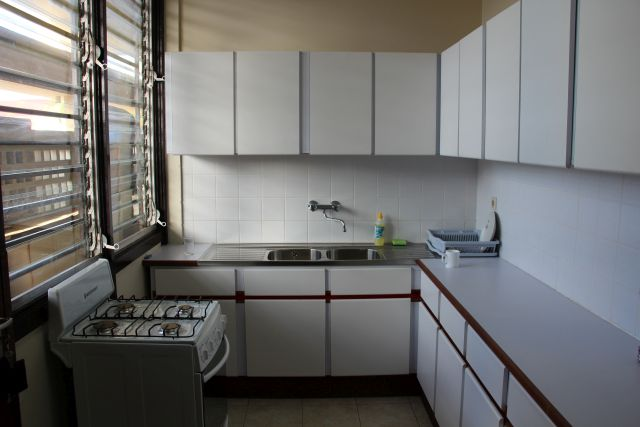 Paramaribo-Appartement-Keuken