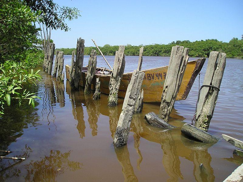 Nieuw Nickerie - rivier achter de markt