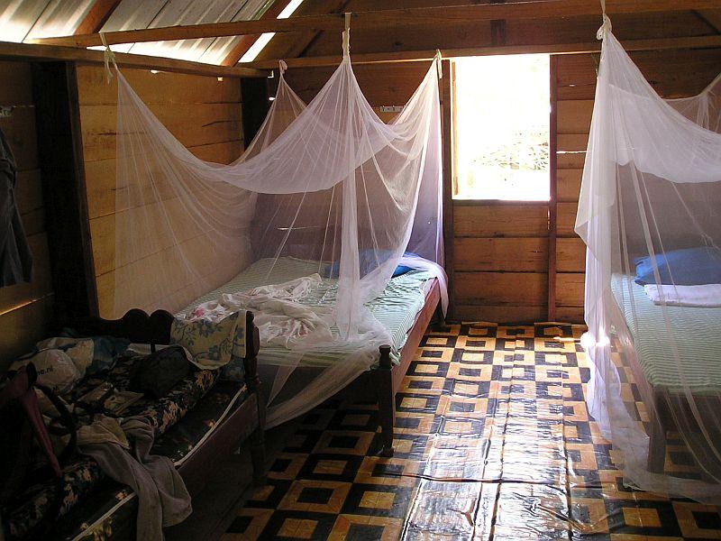 Jaw Jaw - Oord Djamaica - Mijn hut van binnen