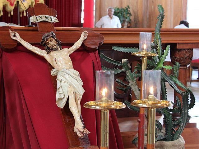 Paramaribo - Goede Vrijdag - Baseliek - Jezus aan kruis