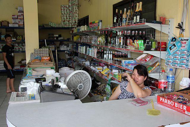 Paramaribo - Wijk Flora -Li Hing Super markt - kassa