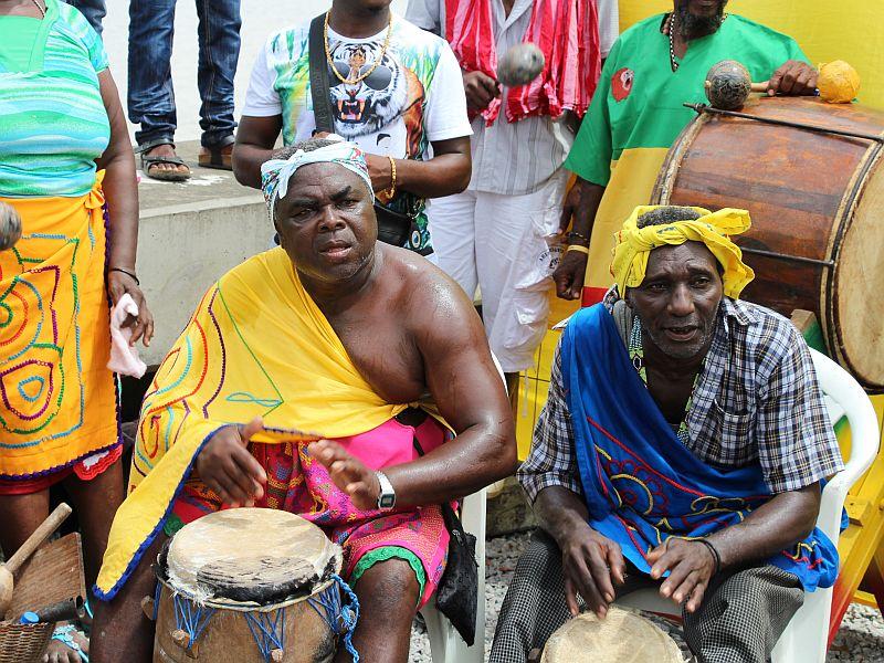 Dansgroep, percussionisten