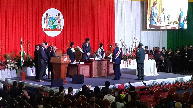Inauguratie Bouterse - beediging