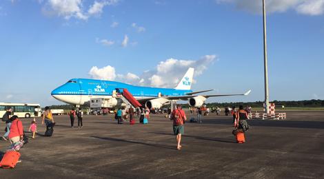 Zanderij - Luchthaven - KLM toestel