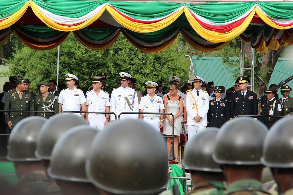 Onafhankelijkheidsplein - Parade - VIP tent aan de overzijde