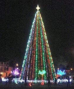 Paramaribo - KunstKerstboom - Verlicht