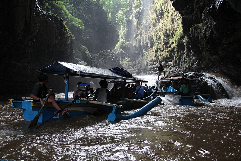 Pangandaran - Green canyon