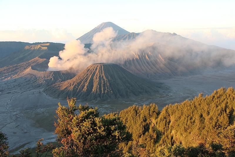 Zonsopkomst bij Bromo en Batok vulkaan