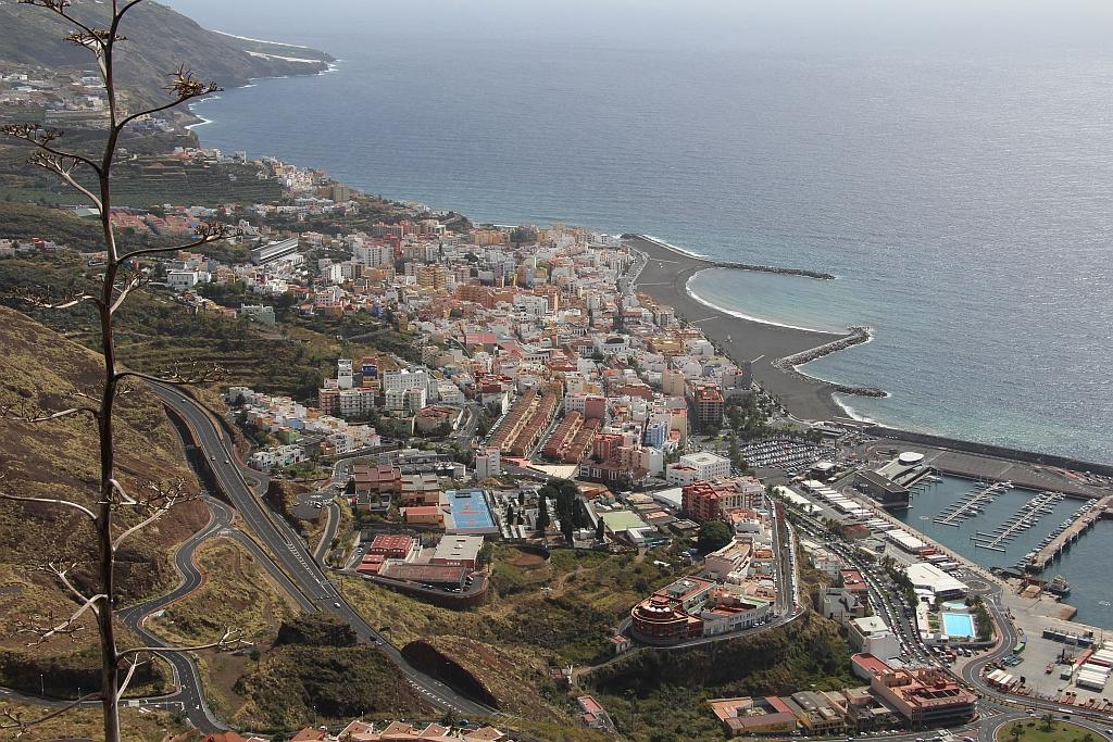 Blik op Santa Cruz, vanaf mirador de la Concepcion